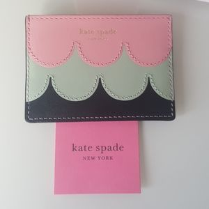 KATE SPADE Scallop card holder